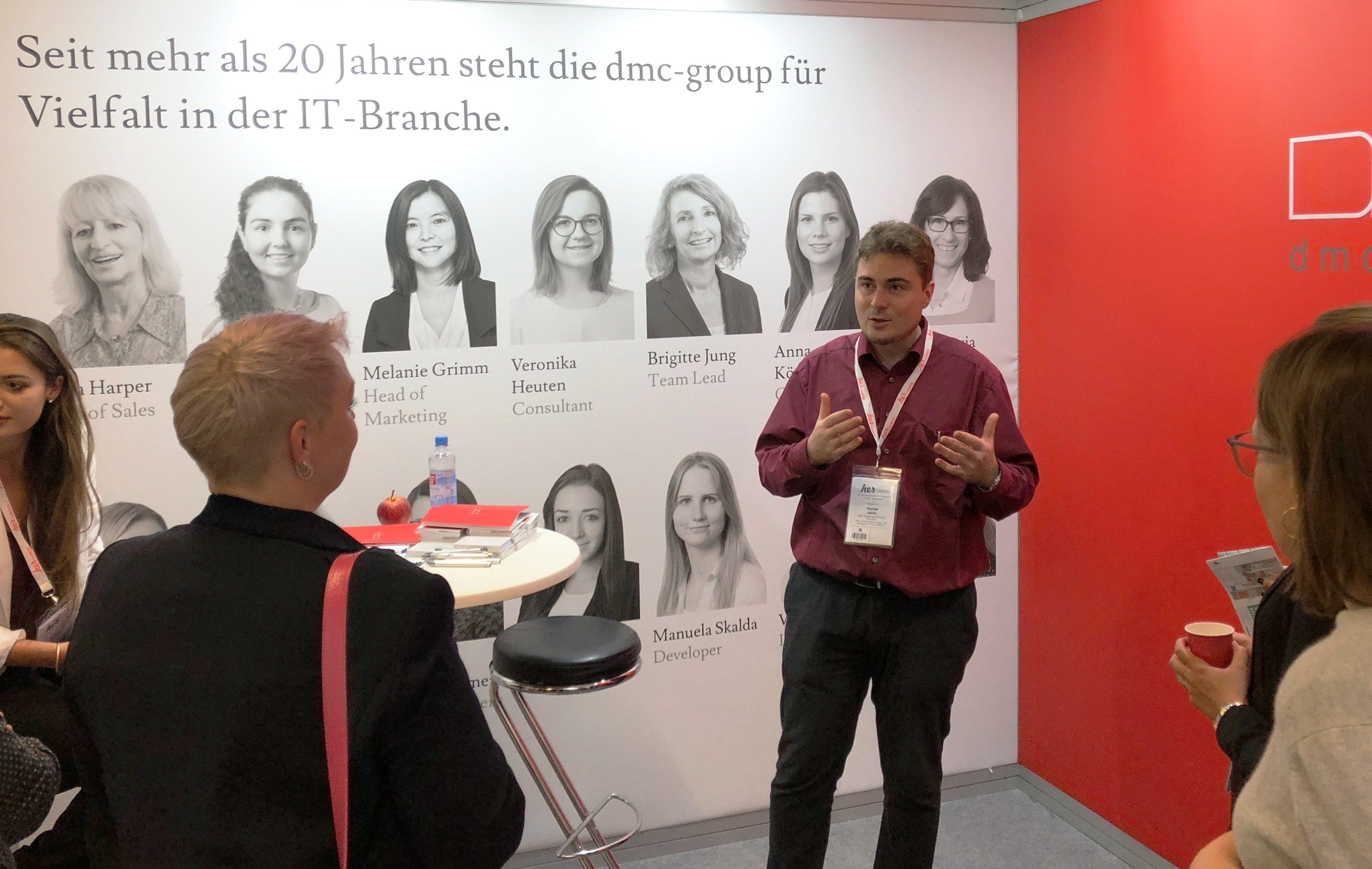 maxfath-dmc-group-muenchen-redesign-branding-messestand-hercareer-vortrag