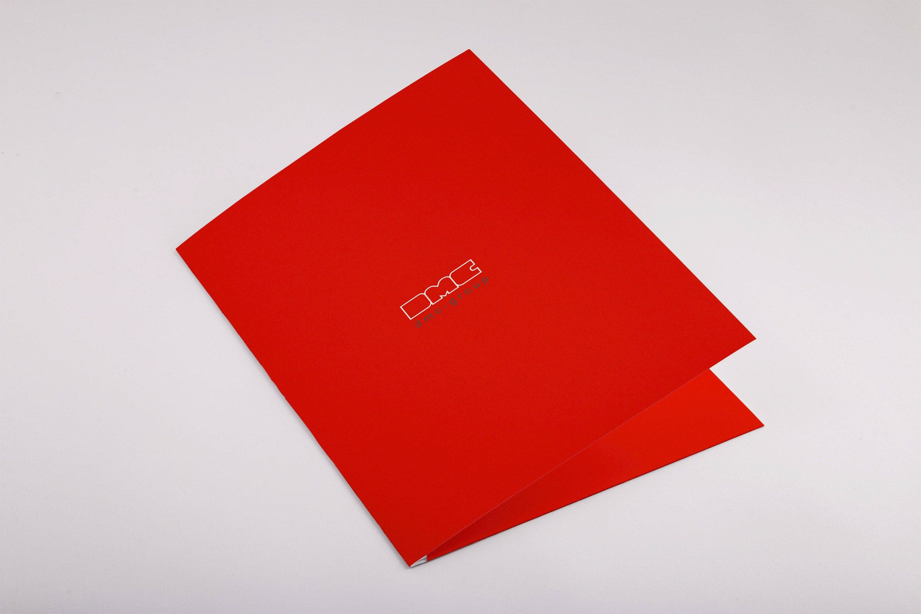 maxfath-dmc-group-muenchen-redesign-branding-print-folder-front