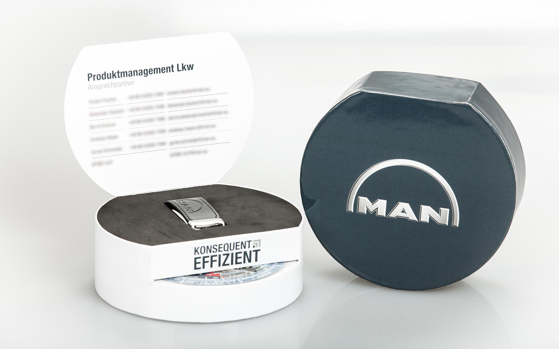 maxfath-man-truck-and-bus-truck-box-packaging-design-both-packshot
